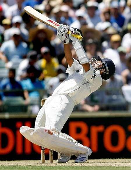 Sachin Tendulkar Goes After a Short Ball