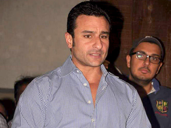 Saif Ali Khan expoxing still at media  to clarify controversy