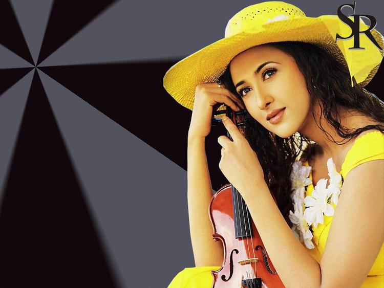 Sakshi Shivanand Hot Romancing Face Look Wallpaper