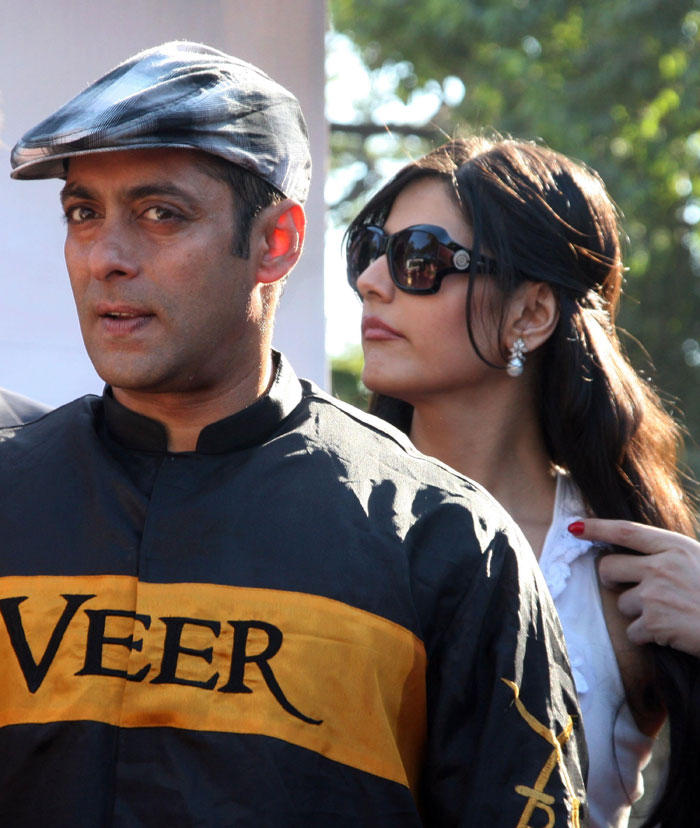 Salman Khan and Zarine Khan Promotes Veer at Race Course