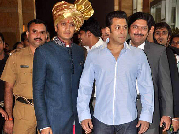 Salman Khan at Honey and Dheeraj Deshmukh wedding reception