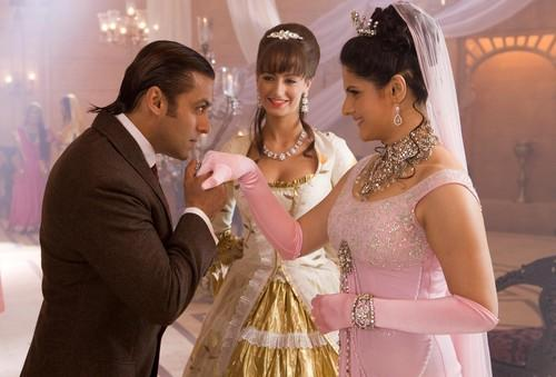 Salman Kiss Zarine Khan In Veer Movie