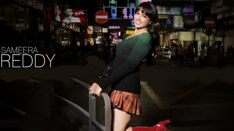Sameera Reddy Cute Mini Dress Wallpaper