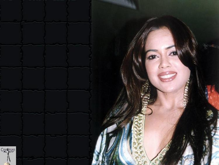 Sameera Reddy Looking Very Gorgeous