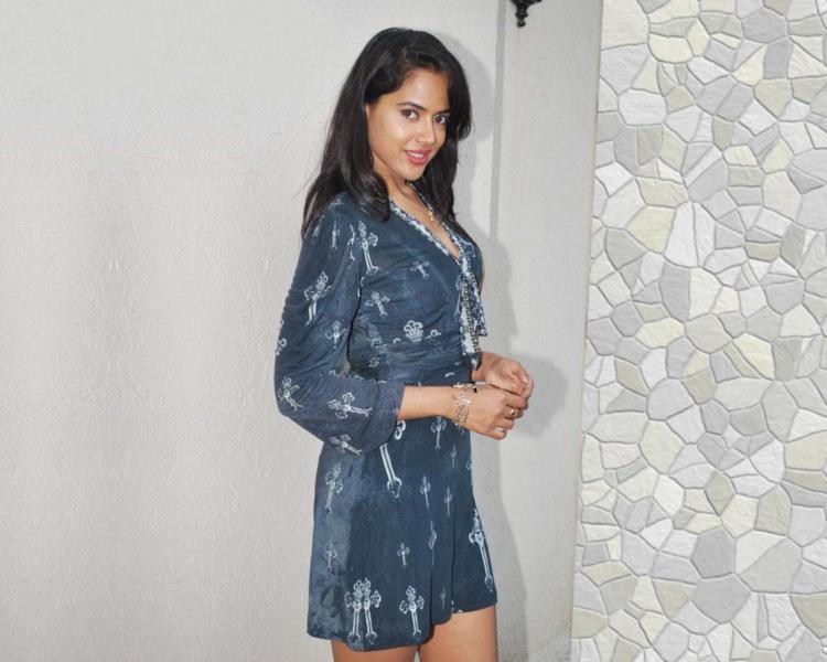 Sameera Reddy Lovely Still