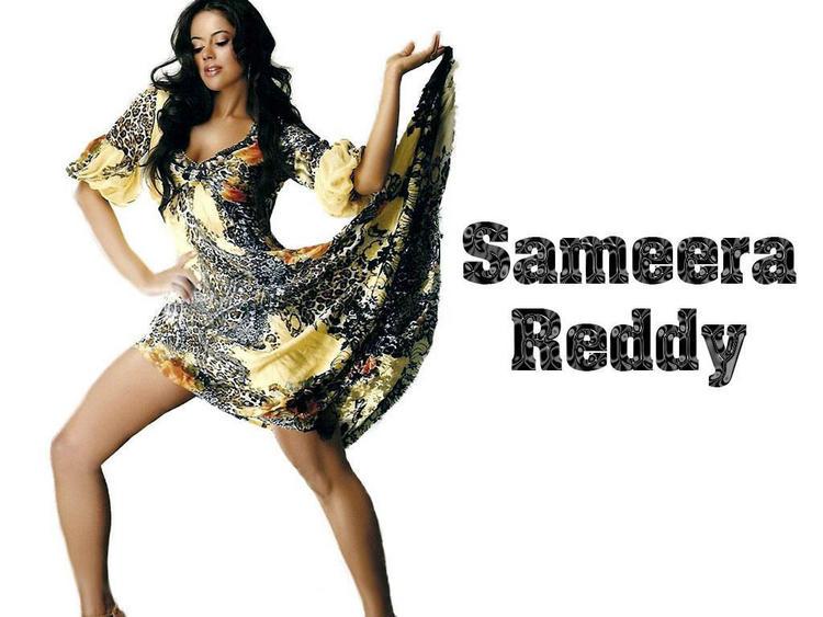 Sameera Reddy Sexy Dance Wallpaper