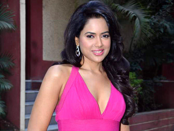 Sameera Reddy poses for photo shoot