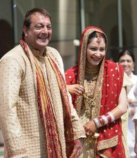Sanjay Dutt and Manyata Dutt With Open Smile Pic