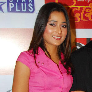 Sara Khan in Pink Top