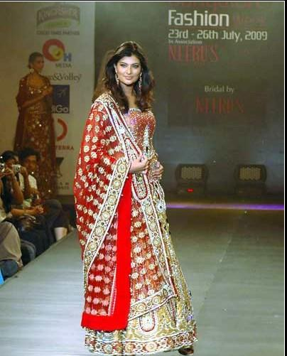 Sayali Bhagat in Bridal Fashion Show
