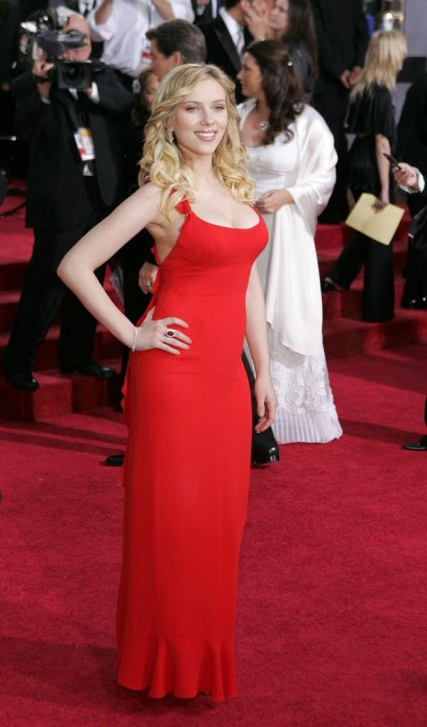 Scarlett Johansson Awesome Look In Red Gown