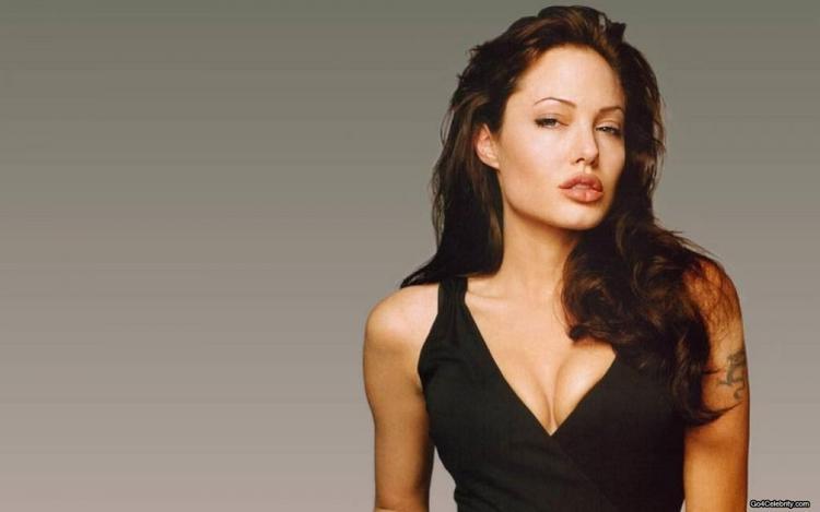 Sexclusive Angelina Jolie Wallpaper
