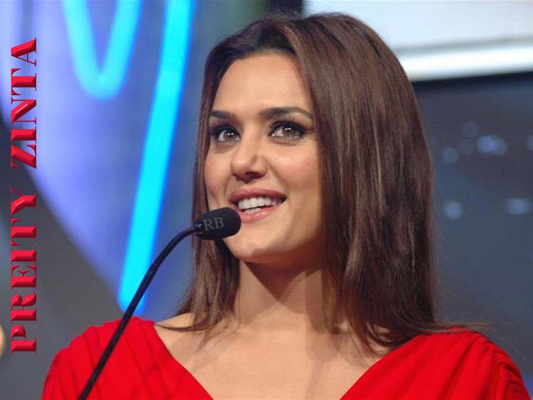 Sexiest Actress Preity Zinta Wallpaper