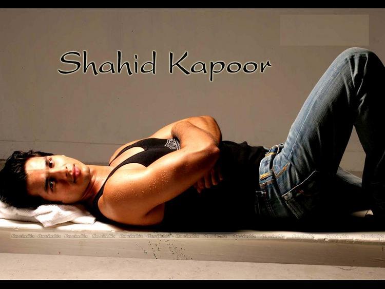 Sexiest Bollywood Star Shahid Kapoor Wallpaper