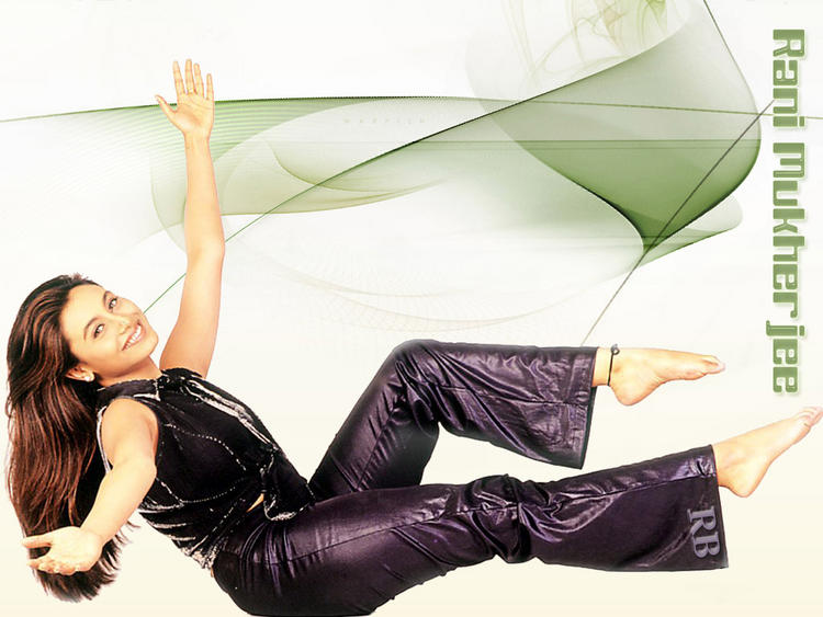 Sexy Actress Rani Mukherjee Wallpaper
