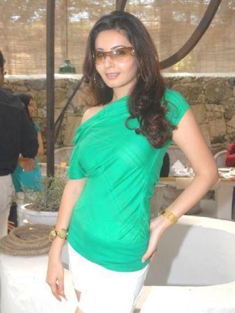Sexy Shonali Nagrani