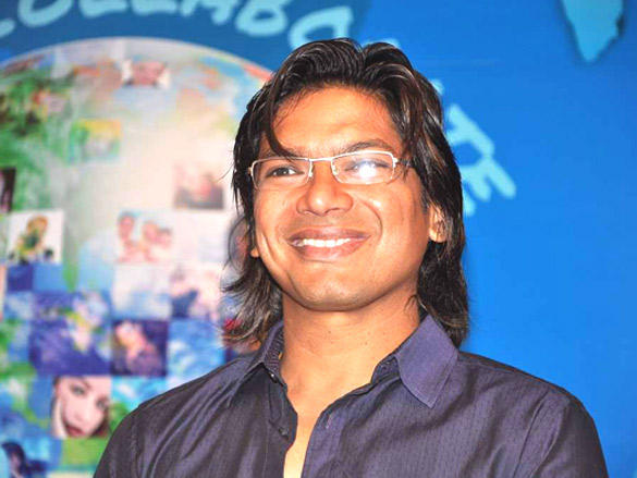 Shaan cute smilling face look in Nehru Centre