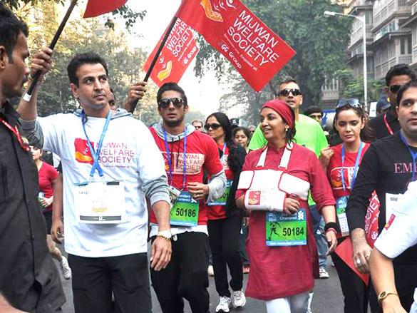 Shabana Azmi and Ronit Roy run during Mumbai Marathon