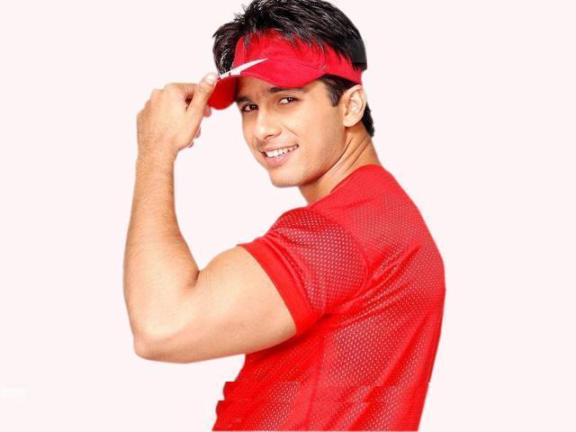 Shahid Kapoor Red Dress Stylist Pose Wallpaper