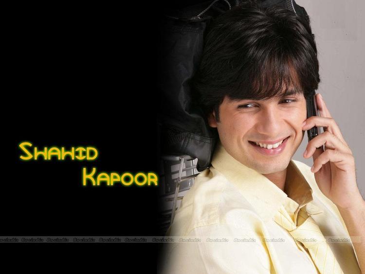 Shahid Kapoor Sweet Smile Wallpaper