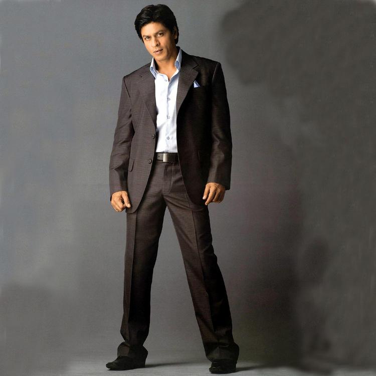 Shahrukh Khan Hot Stylist Look Wallpaper
