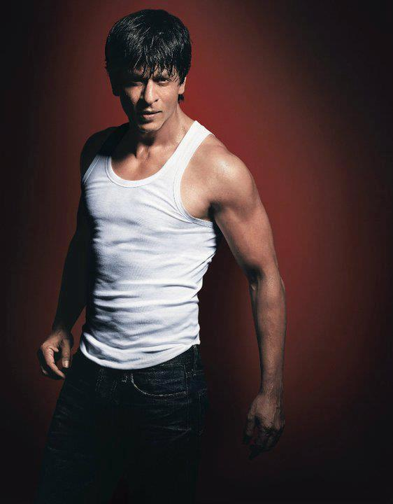 Shahrukh Khan Looks Fit and Slim On His Latest Ad For Lux Cozy ONN