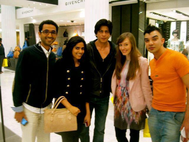 Shahrukh Khan Poses To Photo Shoot