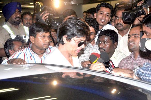 Shahrukh Khan Return From London