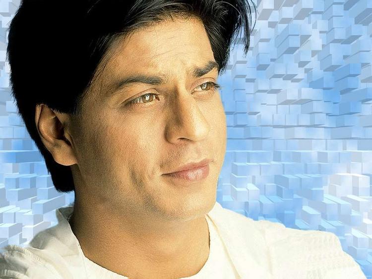 Shahrukh Khan Romantic Face Look Wallpaper