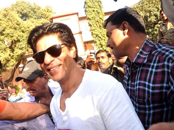 Shahrukh Khan cast his votes in Maharashtra civic polls Mumbai