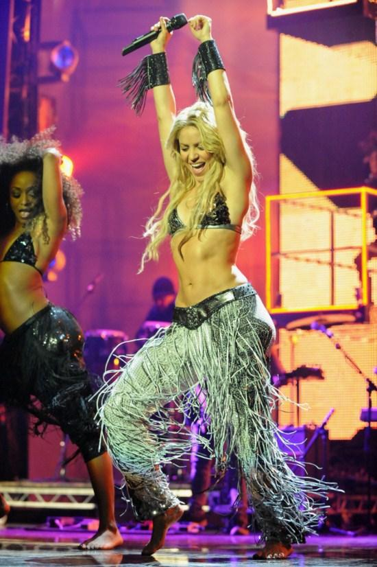 Shakira Rock Performance On Stage