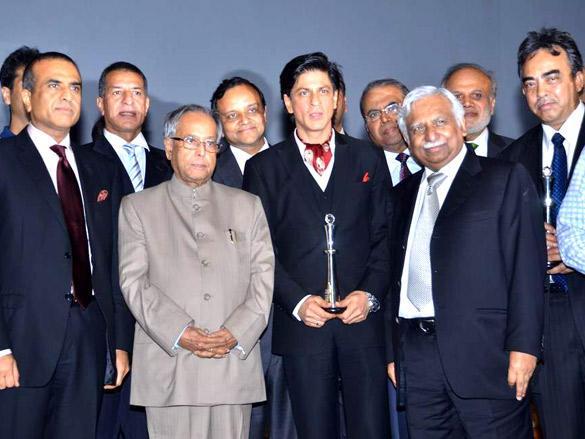 Sharukh Khan, Pranab Mukherjee and Other Distinguished Guest at NDTV Profit Business Leadership Award 2011