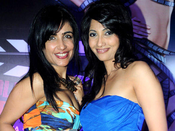 Shibani Kashyap sweet smile pic at Book Launch of Bollywood Striptease