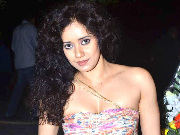 Shreya Narayan sleeveless dress hot still