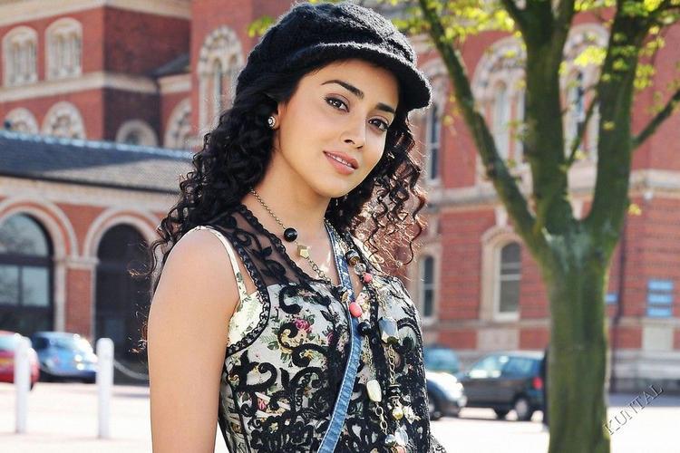 Shriya Saran Curly Hair Stunning Pic