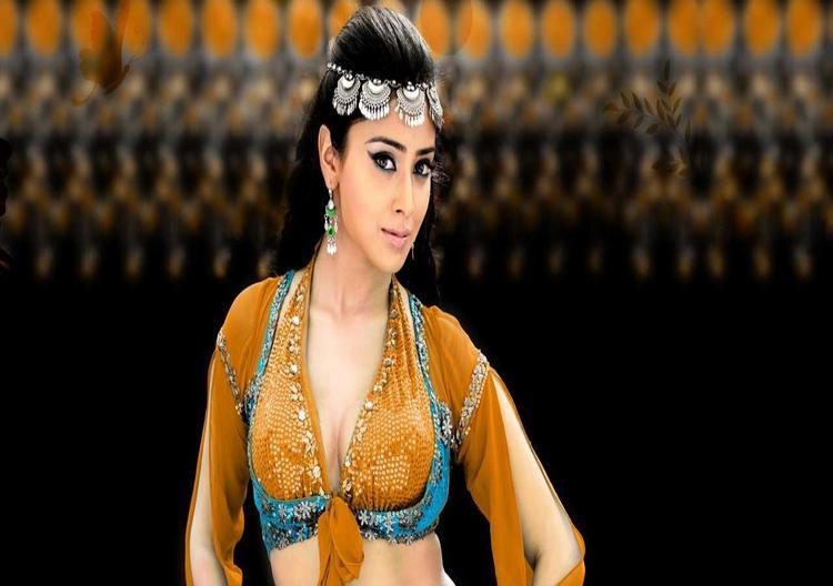 Shriya Saran Hot Dressing Wallpaper