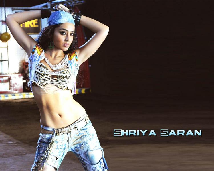 Shriya Saran Latest Wallapper