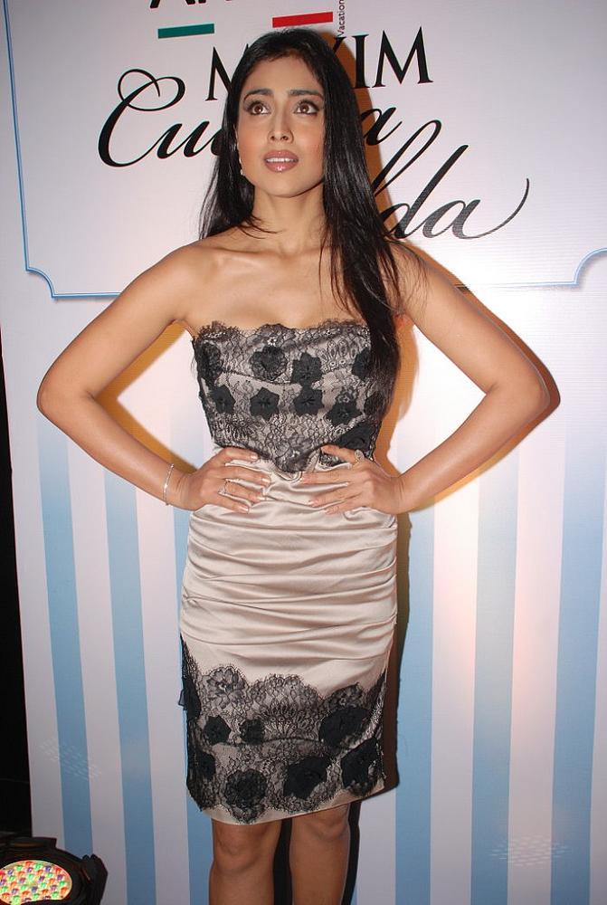 Shriya Saran amazing dress still