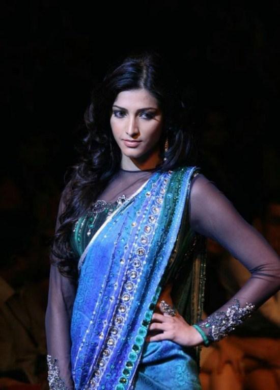 Shruti Haasan Hot Look In Saree