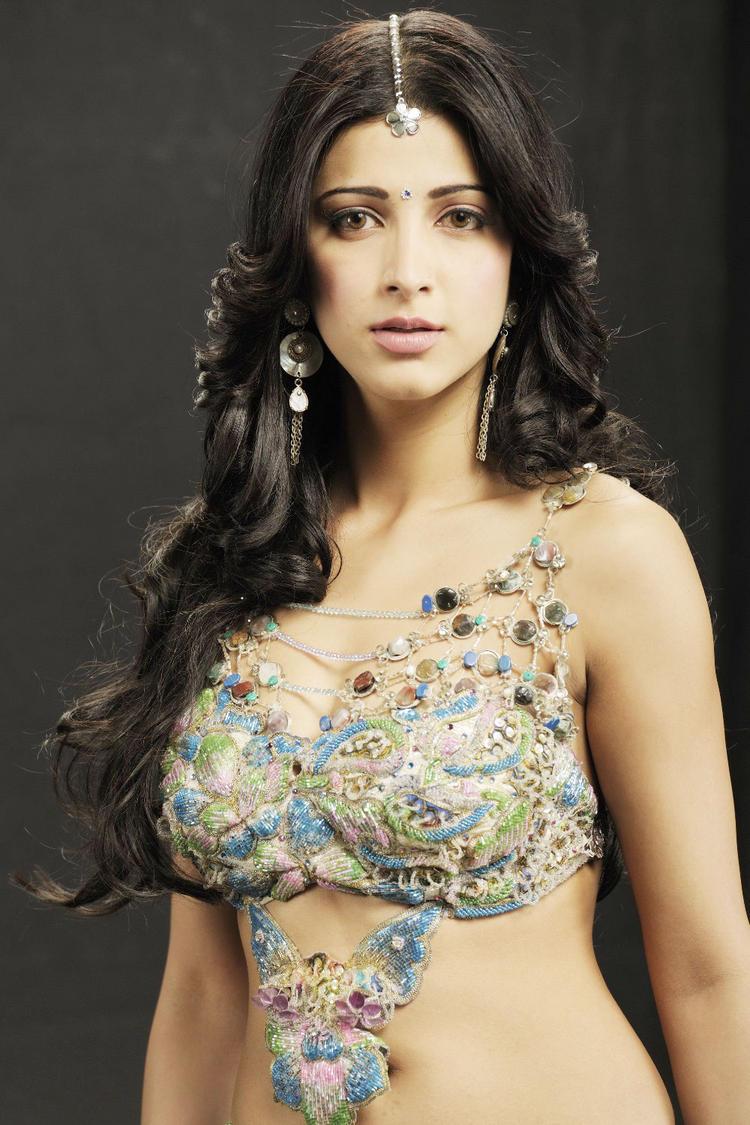 Shruti Hassan Cute Face Pic