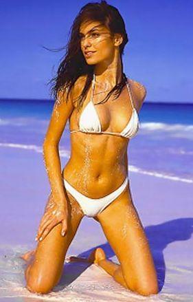 Shruti Seth Bikini Hot Still On The Beach