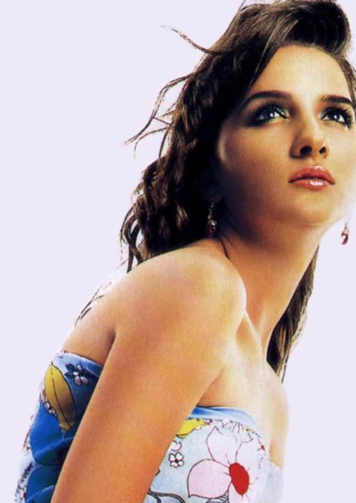 Shruti Seth Sleeveless Dress Gorgeous Photo
