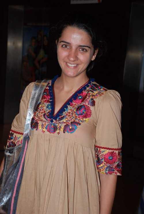 Shruti seth Glam Face Look Still
