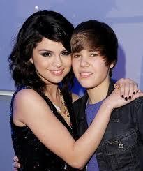 Singer Justin Bieber and His Girlfriend Selena Gomez Pic