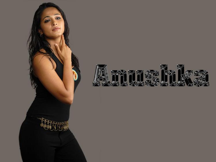 Sizzling Anushka Shetty Image