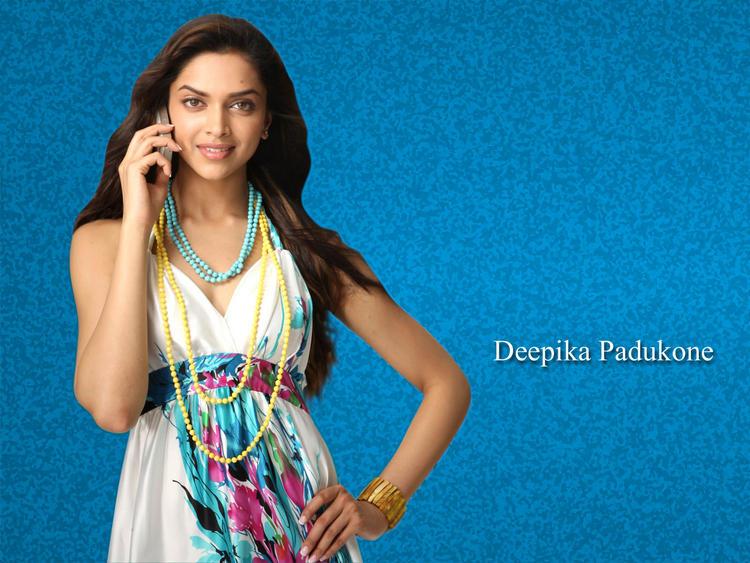 Sizzling Deepika Padukone Wallpaper