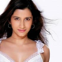 Smiley Suri Latest Sexiest Look Wallpaper