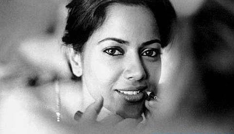 Smiling Beauty Sameera Reddy Wallpaper