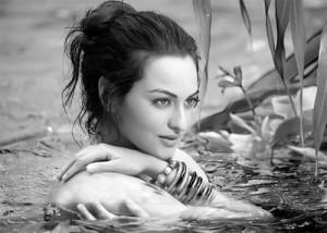 Sonakshi Sinha Bhathing Hot Scene