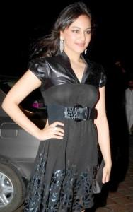 Sonakshi Sinha Black Dress Gorgeous Photo
